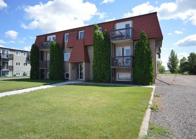 Avens Arms - Apartments - Moose Jaw
