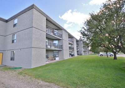 Willowdale Court Apartments - Moose Jaw