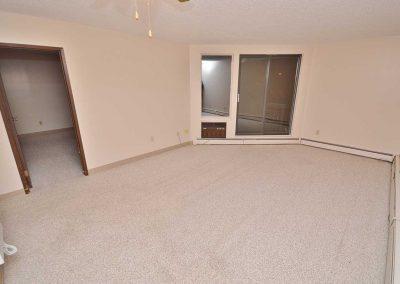 Willowdale Court Apartments - Suite
